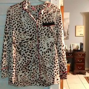 Two-piece cosmopolitan cheetah silky like pj's